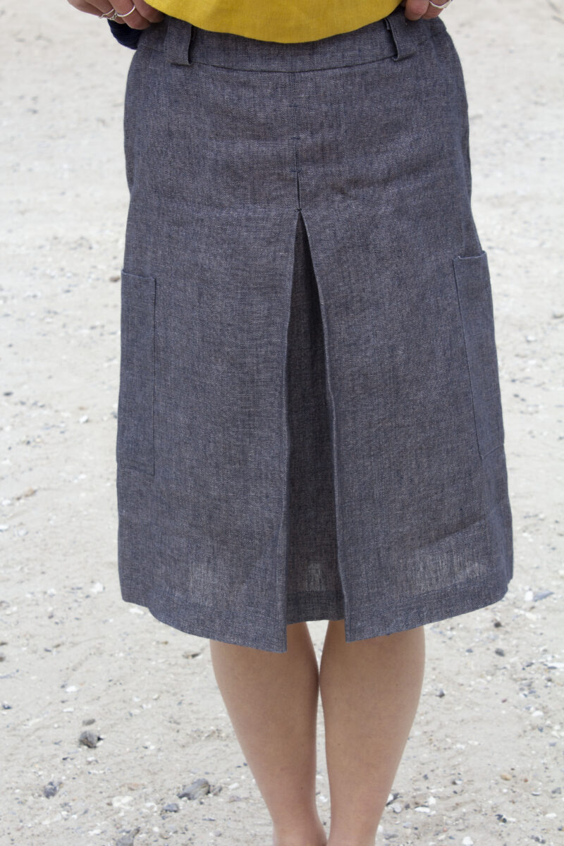 Grey linen skirt front detail
