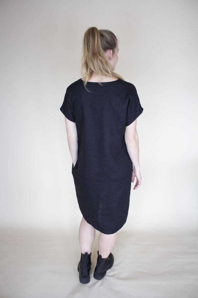 sort kjole i hør