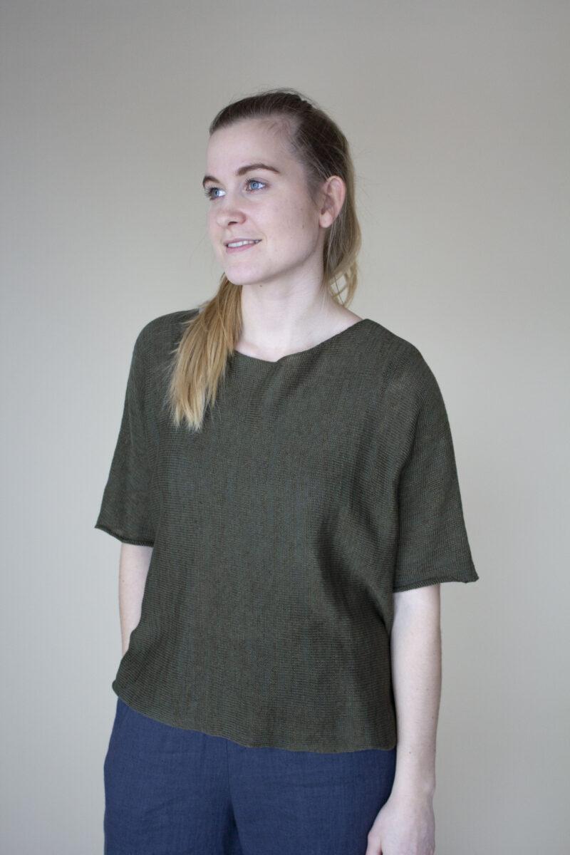 strikket hør bluse i mørkegrøn