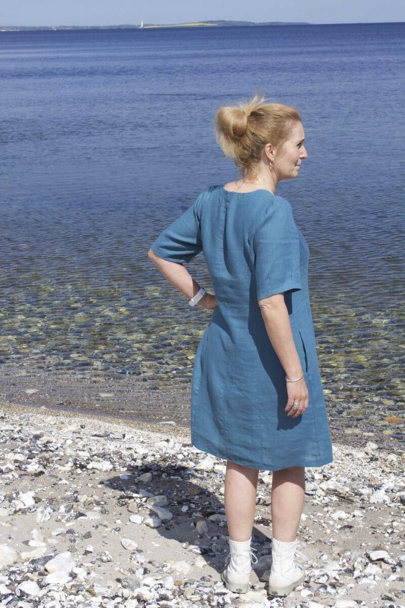 blå hørkjole